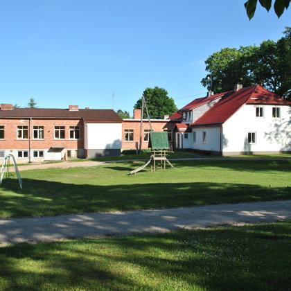 Skolai piebūve celta 20.gs.60.gados