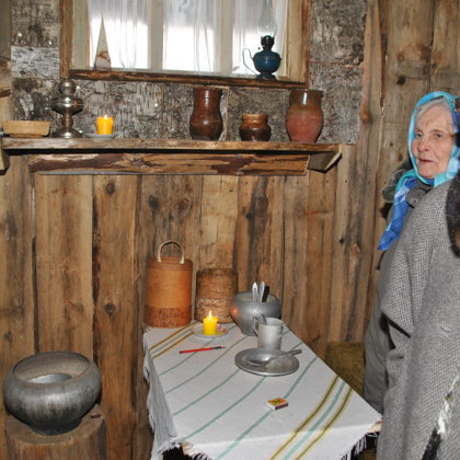Zemnīcā apmeklētājus sagaida Rasma Šāvēja un Sarma Eglīte